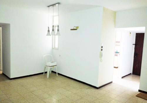 מציאה !!!  למכירה ברמת-גן דירת ענק 4 ח' כ-120 מ' במיקום נהדר צמוד למרום נווה, לכניסה מיידית