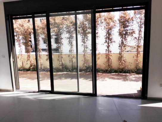 ברמת גן למכירה דירת גן חדשה 4 ח' גדולה מודרנית ייחודית, לכניסה מיידית