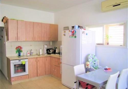 למכירה מיידית דירה מדהימה ברמת גן, 3.5 ח' ברח' המבדיל בשכ' הגפן, משופצת אדריכלית