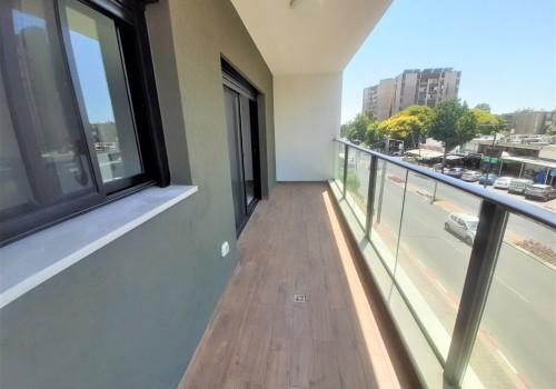 """הדירה שחיפשתם ליד מרכזי קניות ותחבורה ציבורית. למכירה בר""""ג דירה חדשה 3 ח' מדהימה ברמה גבוהה מהרגיל, מתאימה למבוגרים"""