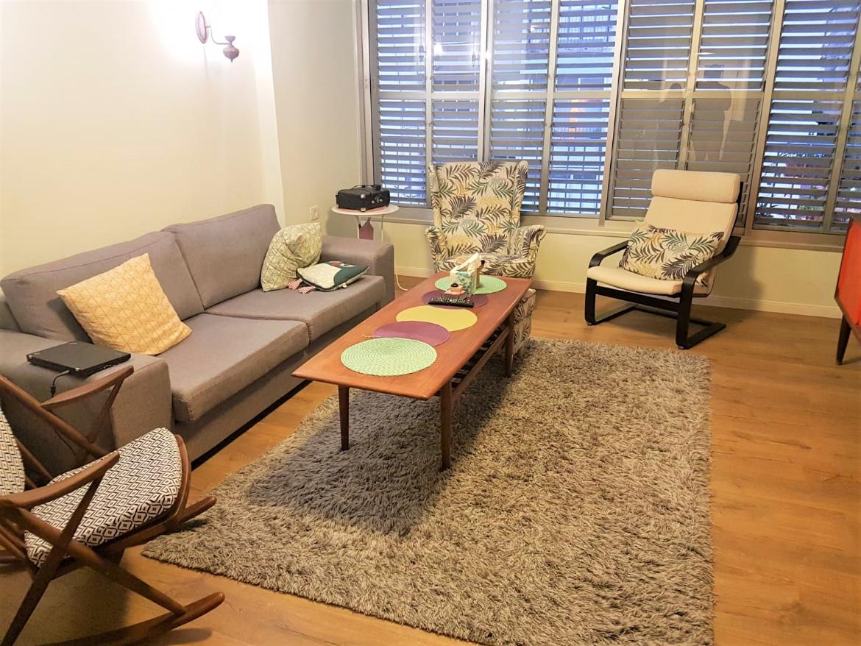 מציאה במיקום מדהים במחיר עוד יותר מדהים למכירה ברמת-גן דירת 3.5 ח' במרום נווה, דירה ענקית של 98 מ'