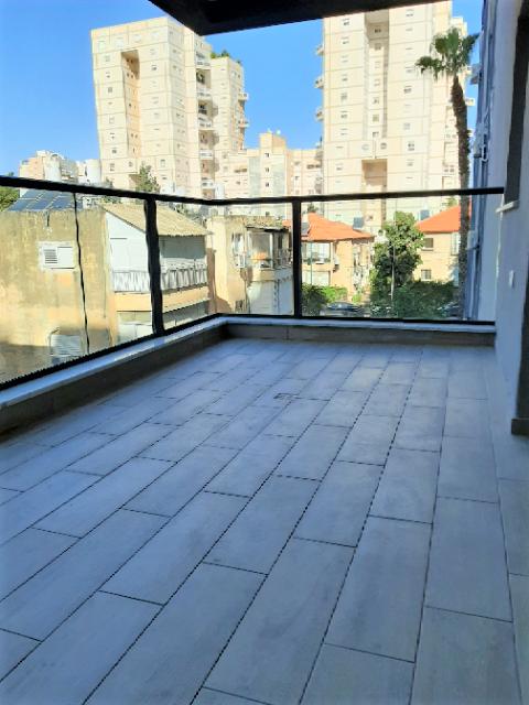 סוף סוף הדירה שחיפשתם ברמת-גן, הכי צמוד למרום נווה, דירת 4 ח' חדשה עורפית שקטה מדהימה לכניסה מיידית!